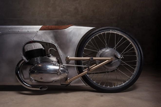 Jawa 350 jako steampunkový dragster
