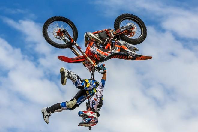 Freestyle motokrosa� Pil�t je sportovcem Dukly Praha