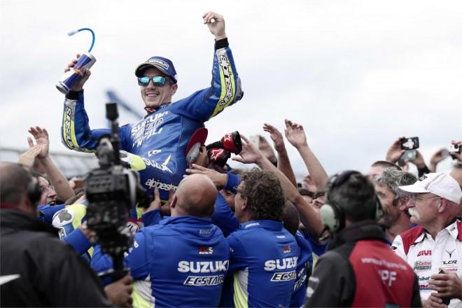 GP Velk� Brit�nie � Vi�ales slav� prvn� zlato v MotoGP