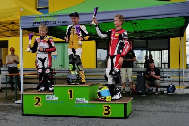 Z deštivého Sachsenringu si Honzák odvezl body za druhé a ètvrté místo
