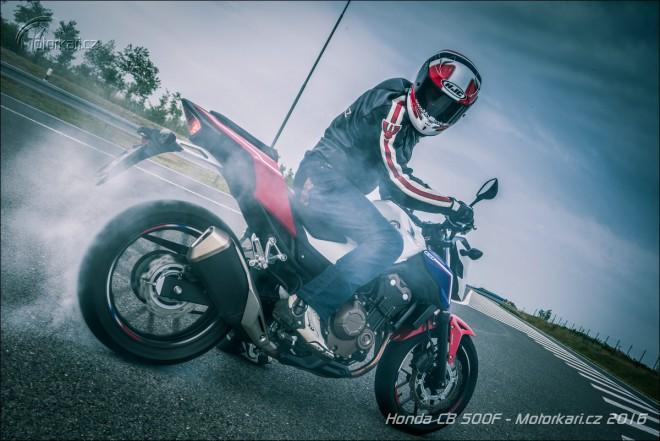 Honda CB500F: menší brácha poulièních rváèù