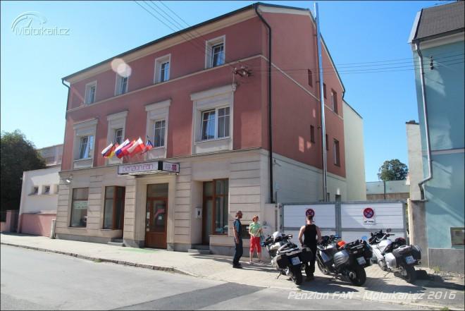 Penzion FAN Karlovy Vary: oáza pro motorkáøe