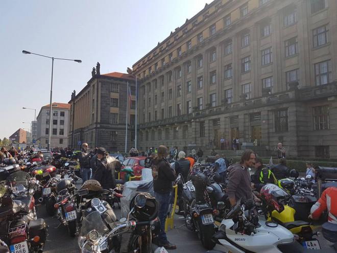 Proti šikanì na STK se demonstrovalo v Praze