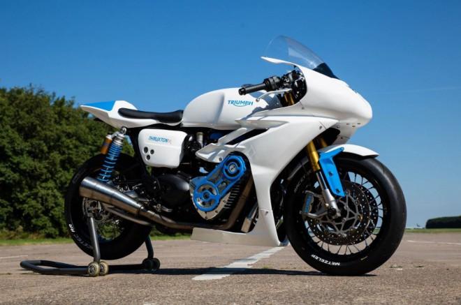 Triumph Thruxton R nejrychlej�� ve sprintu Essenza