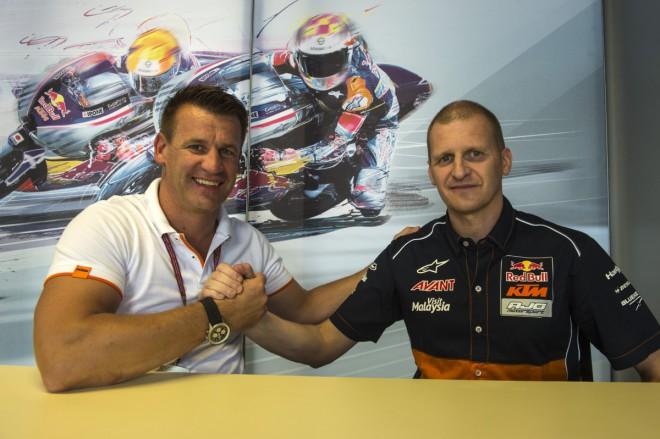 Od roku 2017 bude souèástí Moto2 rakouská znaèka KTM