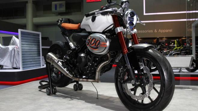 Honda CB300 jako retro koncept