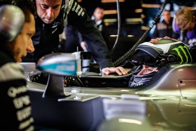 Lorenzo si za volantem Mercedesu F1 splnil sen