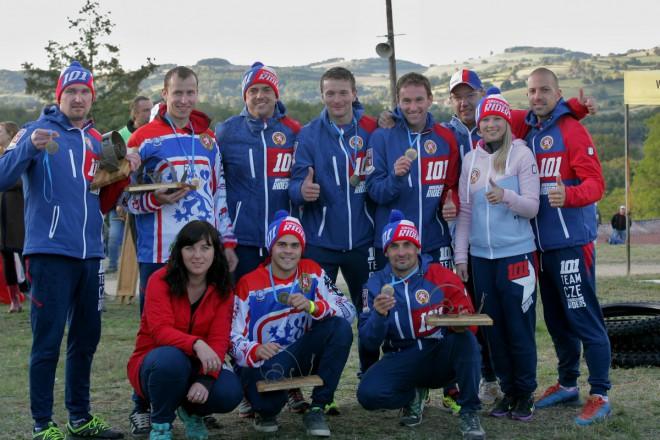 Èeští sajdkárkrosaøi vezou z ME družstev bronzové medaile