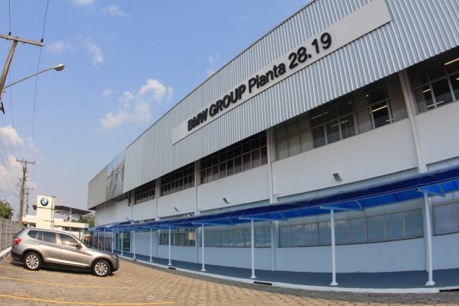 BMW rozjíždí výrobu v Brazílii