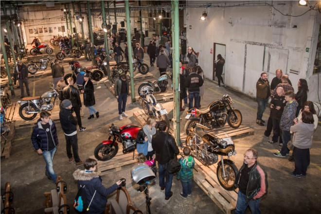 All Ride Show otevøela Továrnu