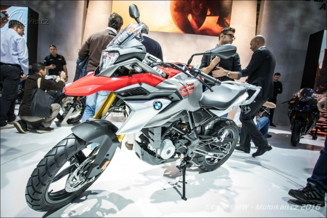 Eicma BMW: malé enduro G310 GS, R NineT Urban G/S a BMW HP4 RACE