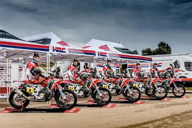 Honda míøí na Dakar s 5 jezdci a novým sponzorem
