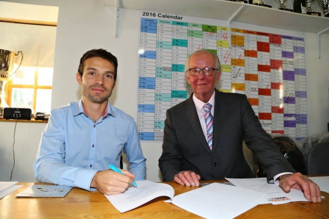 Sylvain Guintoli podepsal s Hawk Bennetts Suzuki