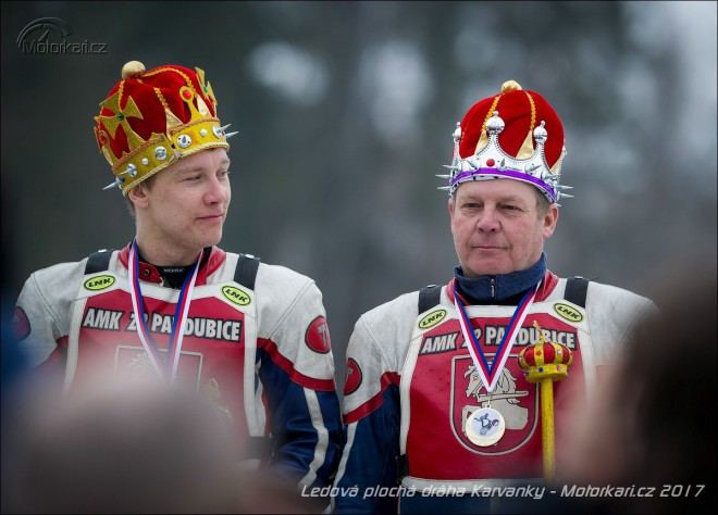 Obrazem: Ledový titul vyhráli Radek a Lukáš Hutlovi