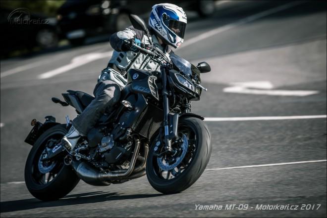 Yamaha MT-09 s ïáblem v rámu