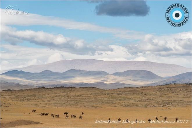 Mongolsko, kde si usteleš, tam si lehneš