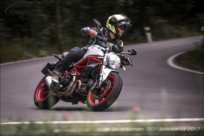 Ducati Monster 797: Uhlazenej vzducháè