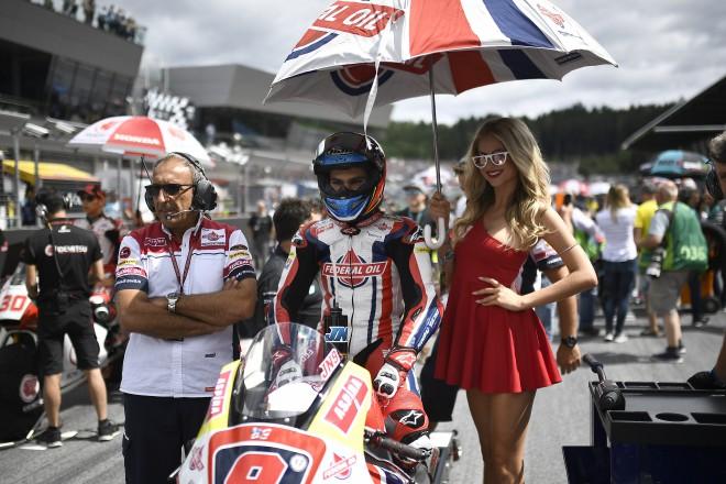 Španìl Navarro prodloužil s Gresiniho týmem Moto2