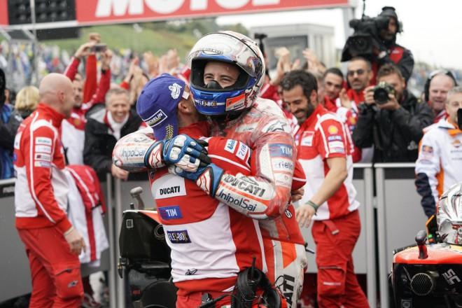 GP Japonska – Dovizioso porazil Márqueze, bitva o titul pokraèuje
