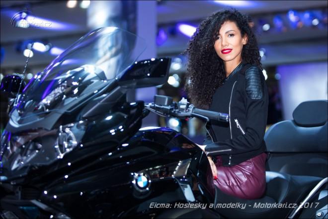 Hostesky a modelky na výstavì Eicma