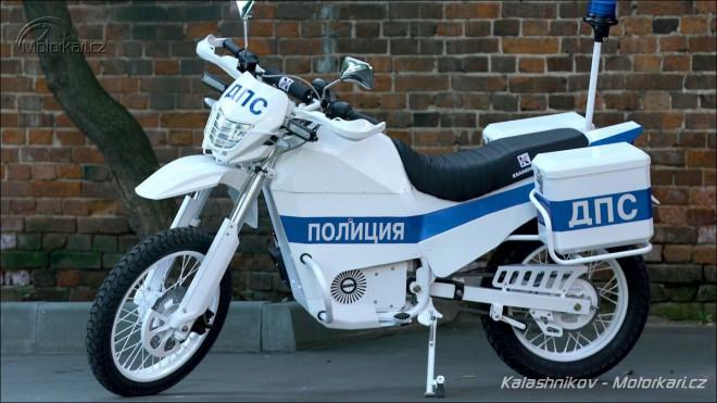 Kalašnikov dodává policejní elektro endura a pøipravuje benzínový powercruiser