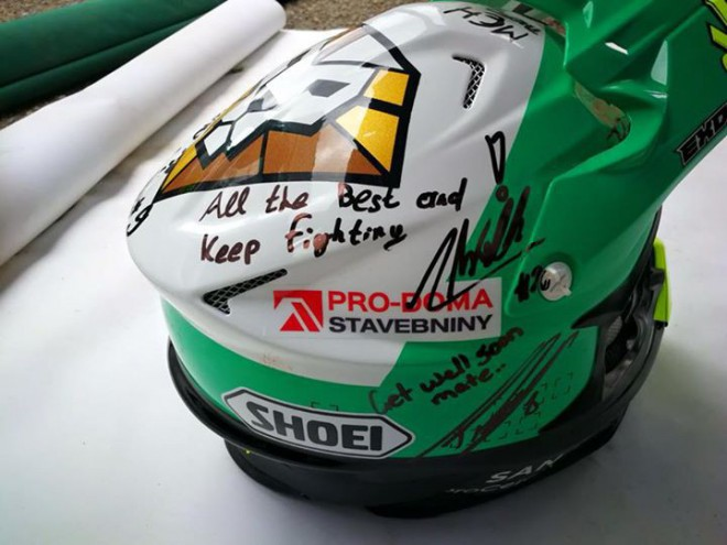 Price a další jezdci poslali dárek Ondrovi Klymèiwovi