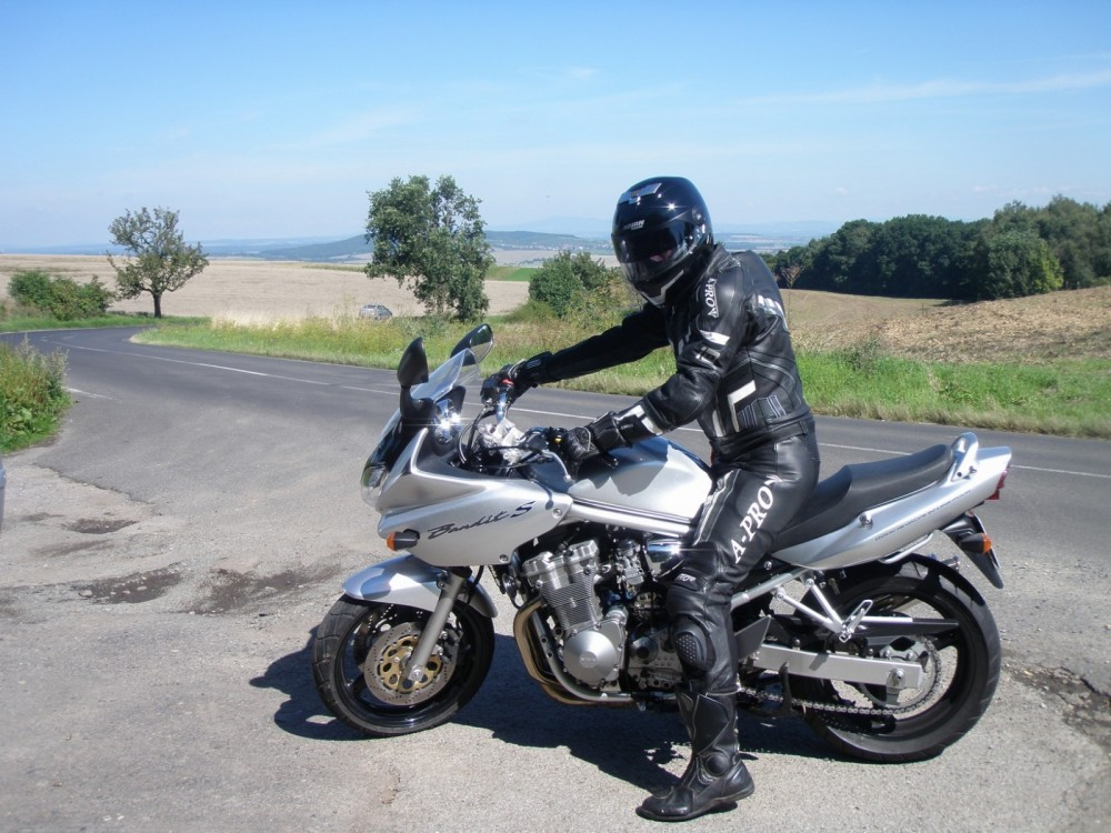 suzuki gsf 600 bandit katalog motocykl a motokatalog na. Black Bedroom Furniture Sets. Home Design Ideas