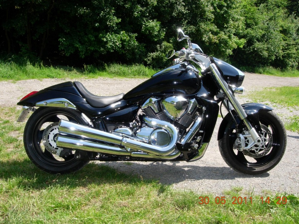 suzuki vzr 1800 intruder katalog motocykl a motokatalog. Black Bedroom Furniture Sets. Home Design Ideas