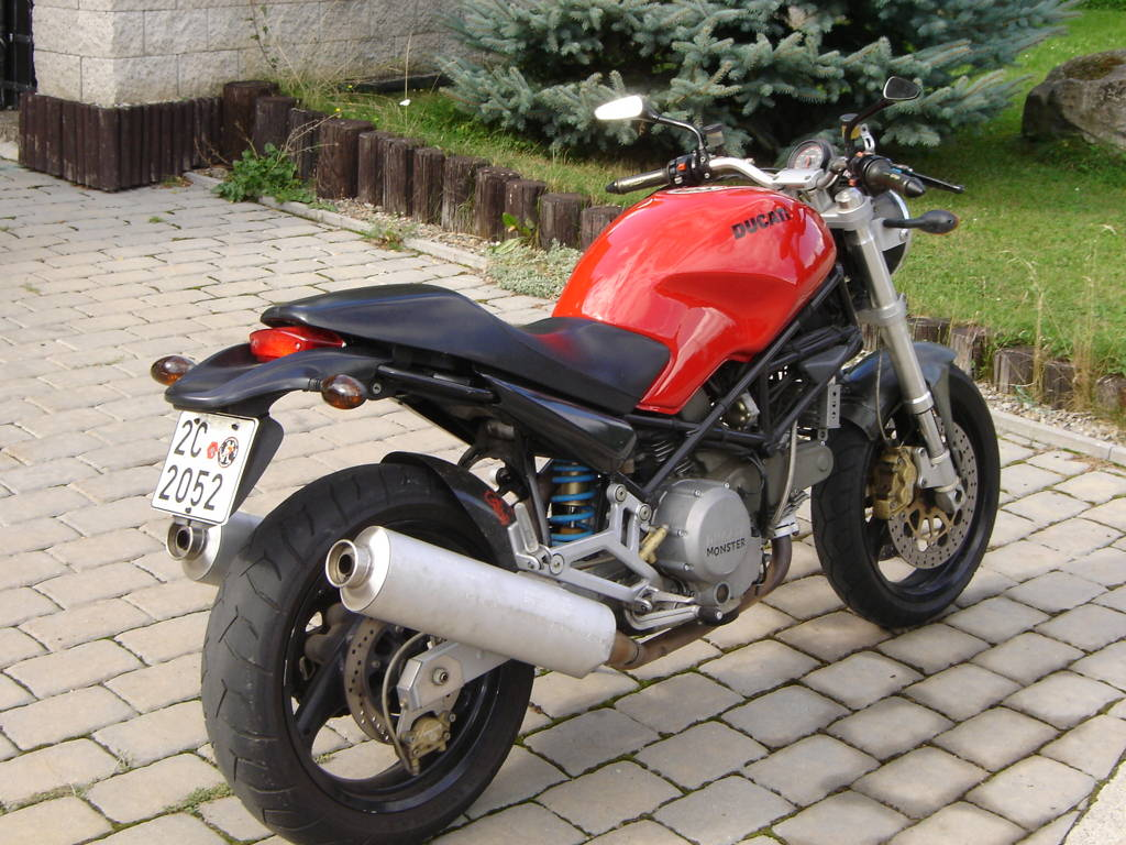 ducati monster 750 uivatele sla. Black Bedroom Furniture Sets. Home Design Ideas