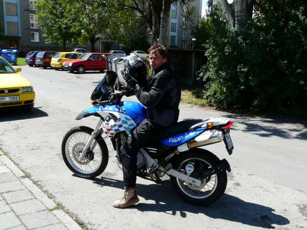 Cestovni enduro    Motorkářské fórum  e7ec566d92
