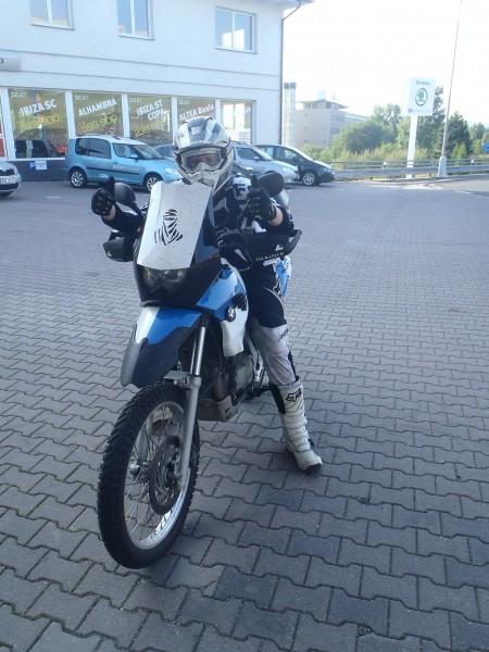 Cestovní enduro-helma s plexi    Motorkářské fórum  c6d3e37241
