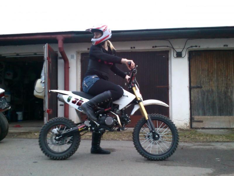 holky a motokros    Motorkářské fórum  cb9c5eb67b