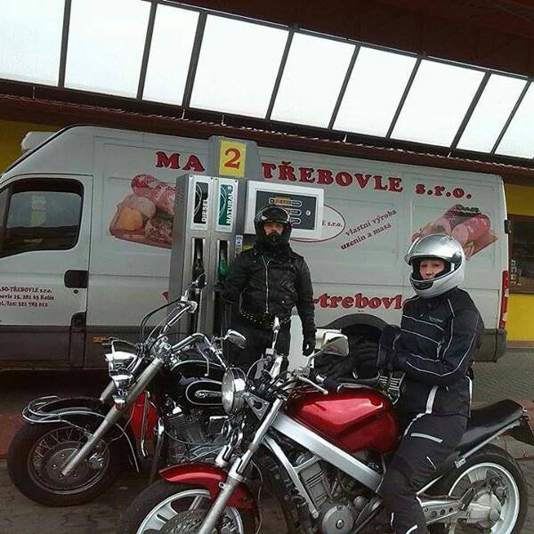 Helma Worker V210 bluetooth +intercom    Motorkářské fórum ... 77b21b558d